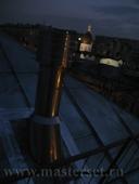 дымоход на крыше, оголовок с дефлектором и с дымоходной растяжкой