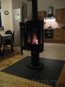 норвежская печка хайтек стиля jotul f373 с панорманым обзором топливной камеры