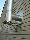 печной дымоход с конденсатосборником, проход внешней стены, сайдинг