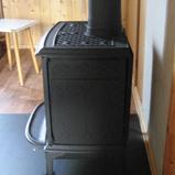 печка jotul f 100 bp с чёрной матовой дымовой трубой
